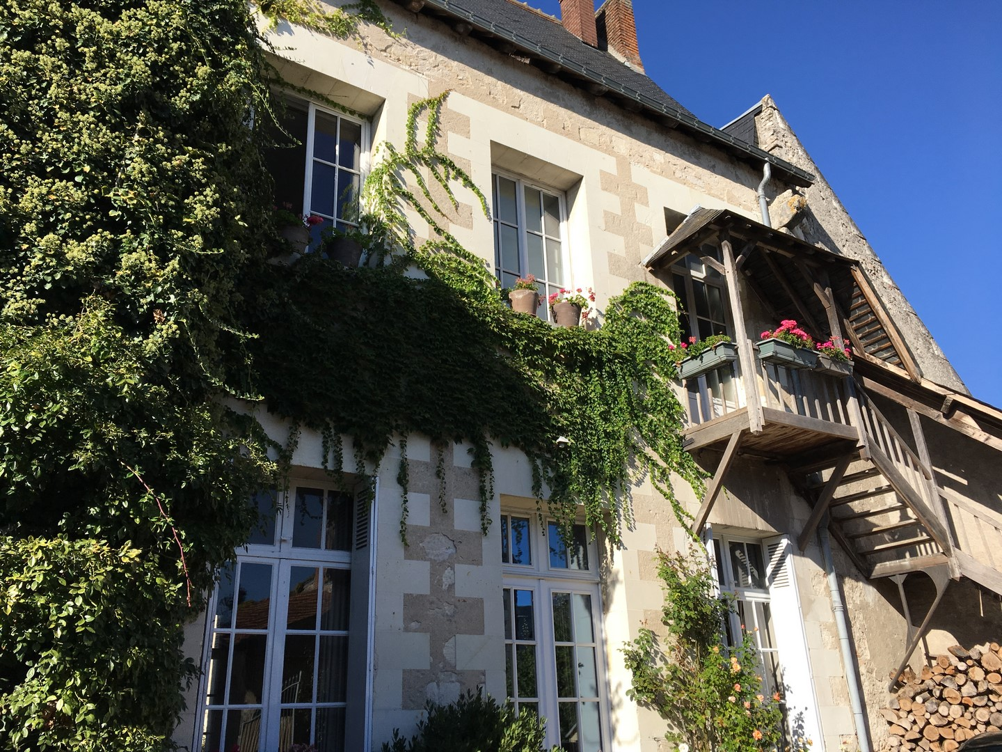 TOURS SUD PRIORY of 270 m ²